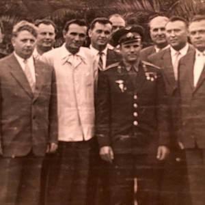 Сочи. Первый Космонавт – Юрий Алексеевич Гагарин. Сразу за ним – твой дед.